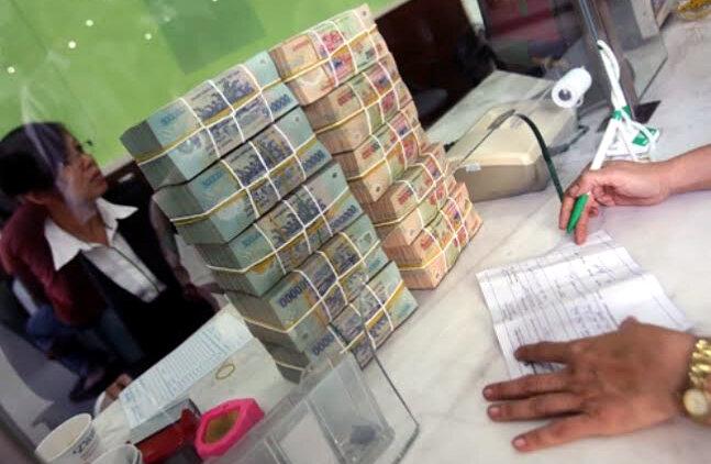 4.100 tỷ đồng tiếp tục được bơm ròng vào thị trường ngân hàng