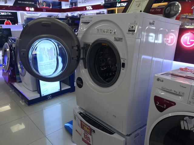 Máy giặt lồng ngang 2 cửa Twin Wash được người tiêu dùng quan tâm nhiều.
