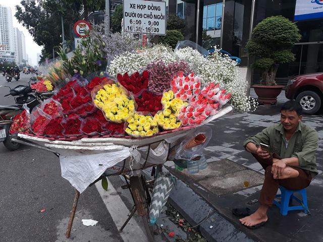Hà Nội những ngày này đang ngập tràn hoa