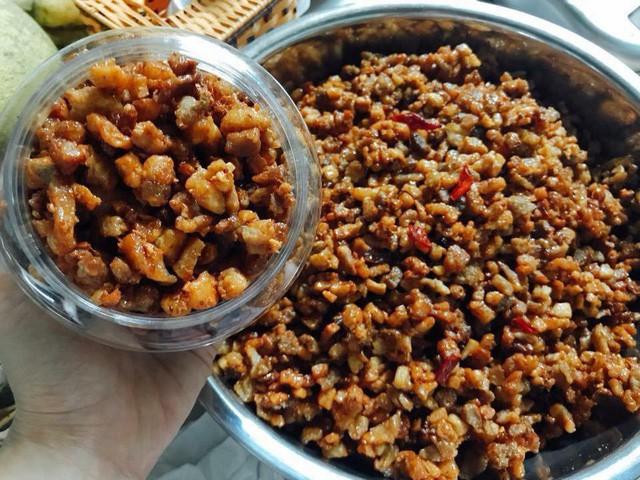 Tóp mỡ - món ăn gây sốt và được xem như đặc sản với giá bán từ 400 - 500 nghìn đồng/kg. Ảnh: Fb