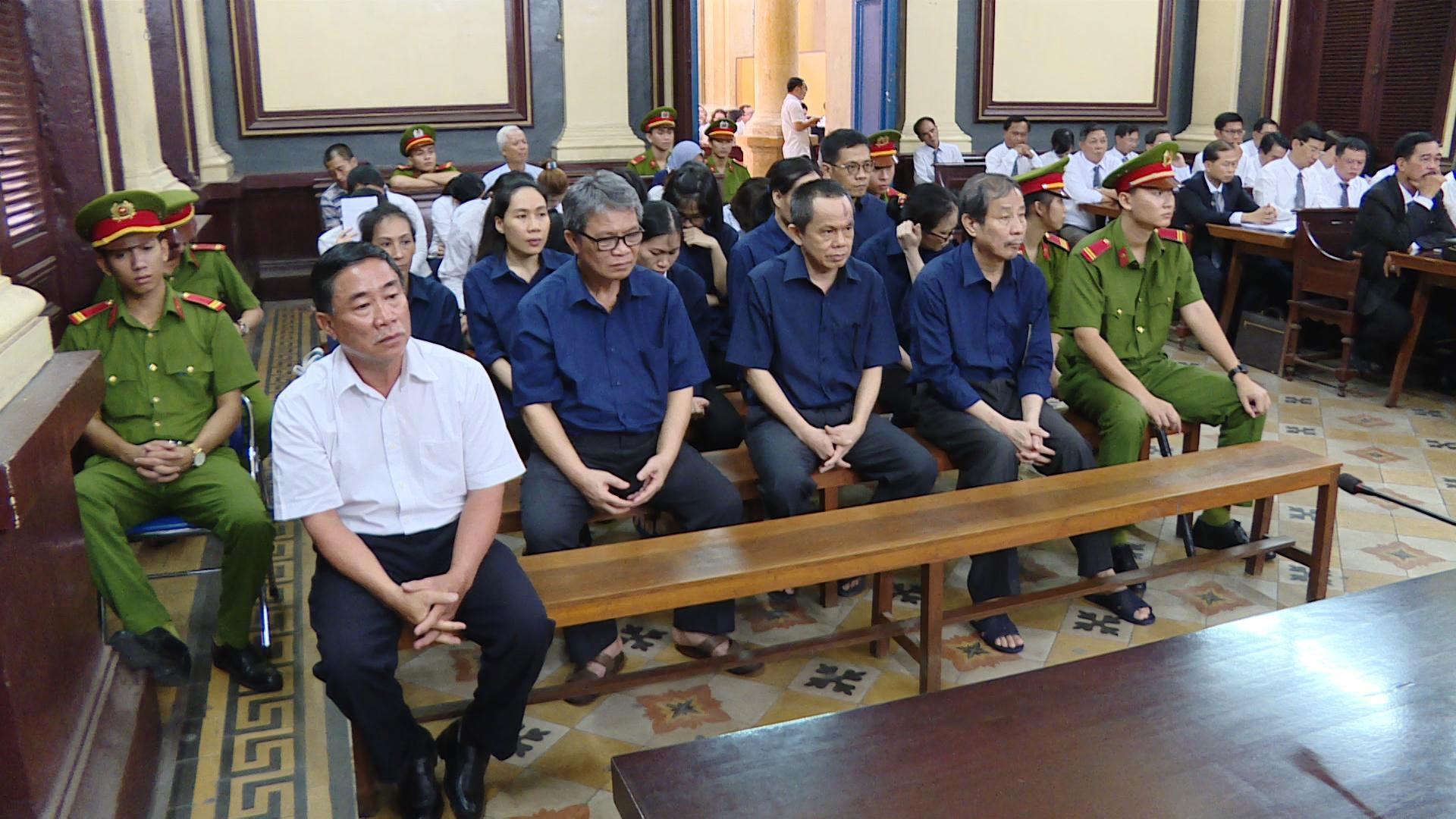 """Công ty Phương Trang chuyển tiền cho Vũ """"nhôm"""" mua đất?"""
