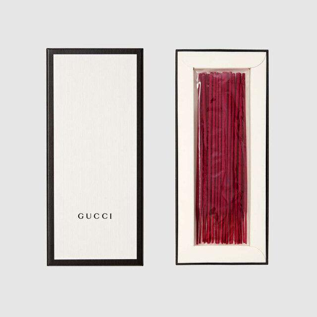 Hết bán dép rọ, Gucci chuyển sang bán nhang thắp bàn thờ
