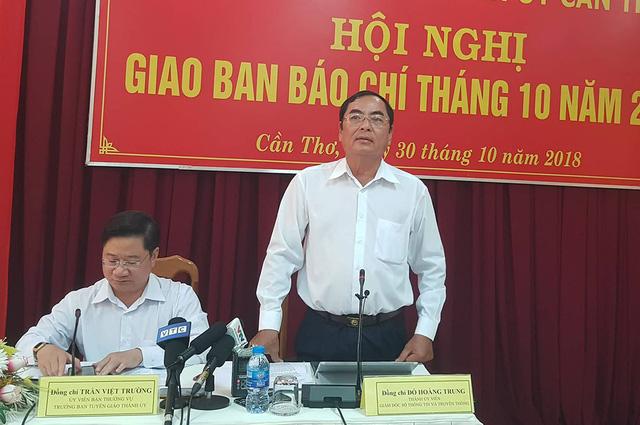 Ông Đỗ Hoàng Trung - Giám đốc Sở TT&TT TP Cần Thơ phát biểu tại buổi họp báo