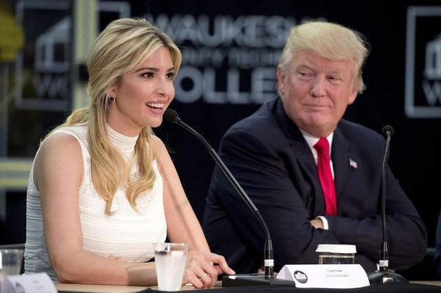 Tổng thống Donald Trump và con gái Ivanka (Ảnh: AFP)