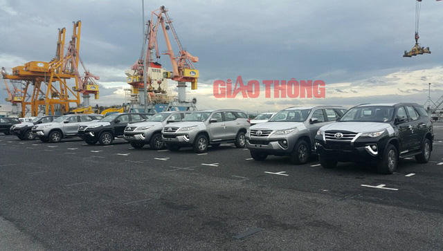 Toyota Fortuner nhập khẩu số lượng đều dần vẫn không đủ xe để giao ngay cho khách