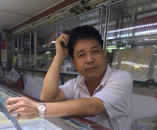 Ông Lê Hồng Lực chính thức nhận lại 20 viên kim cương và 70 triệu tiền phạt