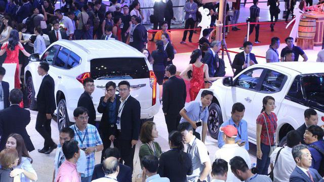 Mua sắm xe tăng cao, tháng 10 hơn 21.000 xe con được bán ra, tăng rất mạnh so với tháng trước.
