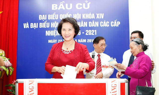 Chủ tịch Quốc hội Nguyễn Thị Kim Ngân bỏ phiếu bầu đại biểu Quốc hội khoá XIV (ảnh minh hoạ)
