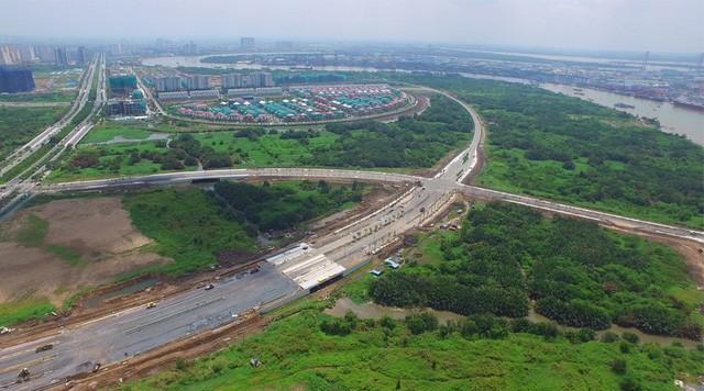 Đến nay, 4 tuyến đường với giá khủng ở Khu đô thị mới Thủ Thiêm vẫn còn dang dở (ảnh: Nguyễn Mạnh)