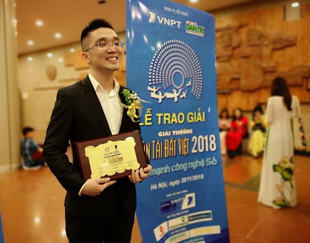 Anh Đậu Ngọc Huy, Founder kiêm CEO của Stringee nhận giải Nhì - nhưng là giải cao nhất của NTĐV 2018 do năm nay không có giải Nhất.