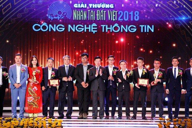 Nhóm đạt giải Nhì Nhân tài Đất Việt 2018: