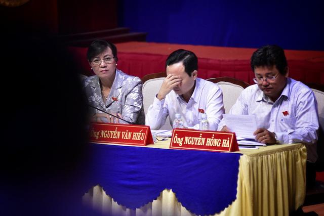 Đại biểu Quốc hội, Chủ tịch HĐND TPHCM Nguyễn Thị Quyết Tâm lắng nghe ý kiến cử tri