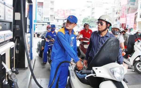 Nhiều khả năng xăng tiếp tục được điều chỉnh giảm vào ngày mai.
