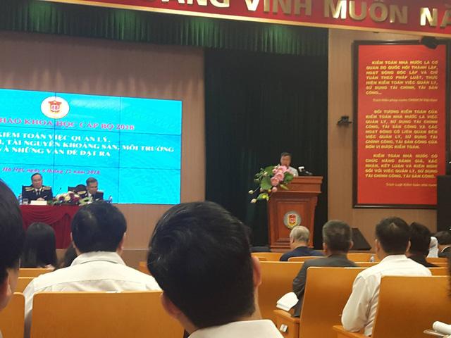 TS. Vũ Đình Ánh phát biểu tại Hội thảo