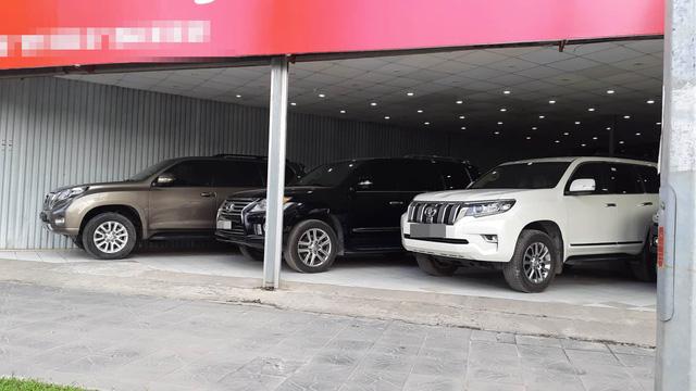 Những mẫu xe sang qua sử dụng đời còn khá mới được bán tại Hà Nội nhưng với giá tiền tỷ