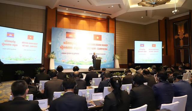 Diễn đàn doanh nghiệp Việt Nam - Campuchia thu hút 400 doanh nghiệp hai nước tham gia