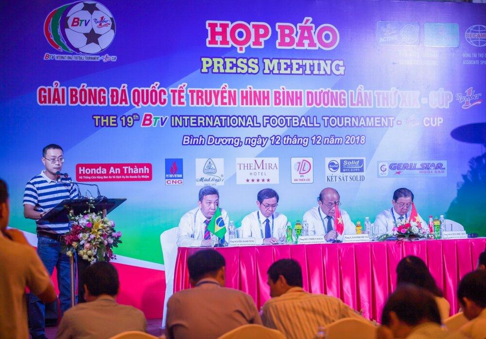 Tân Hiệp Phát đồng hành cùng Giải Bóng đá quốc tế truyền hình Bình Dương- Cúp Number 1 lần thứ 19