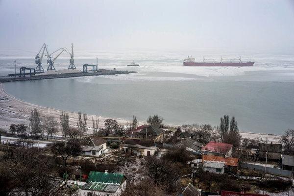 """Thương cảng Ukraine """"ngấm đòn"""" sau cuộc chạm trán Nga-Ukraine trên biển"""