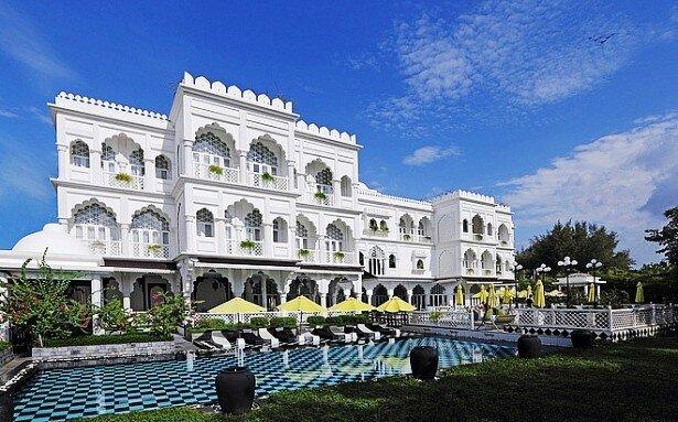 """Lâu đài, nhà hàng của Khaisilk chuyển quyền tiếp quản: """"Choáng"""" với tiềm lực """"khủng"""" của chủ mới"""