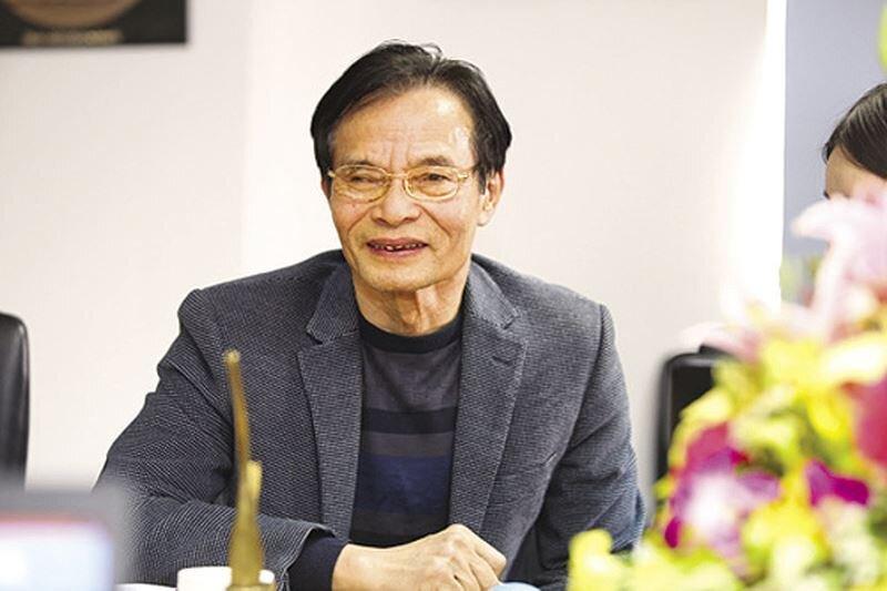 """Cổ phiếu bị """"thổi bay"""" 90% giá trị, chuyên gia Lê Xuân Nghĩa cũng …tháo chạy?"""