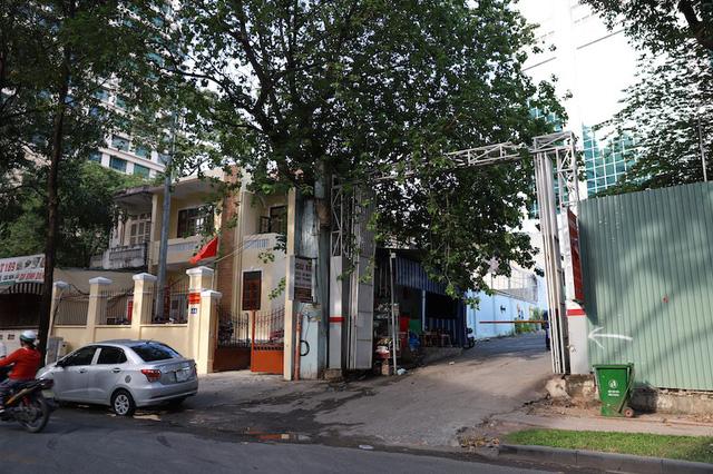 Khu đất 34-36 Chu Mạnh Trinh và 33 Nguyễn Du đã bị Công ty Vinafood 2 bán cho Công ty Việt Hân.