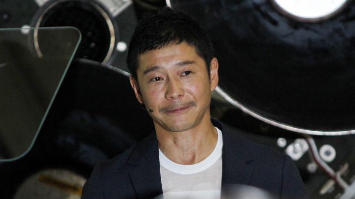 Tỷ phú Nhật chơi sang khi thưởng hơn 2 tỷ đồng cho người chia sẻ ảnh của mình - Ảnh 1.