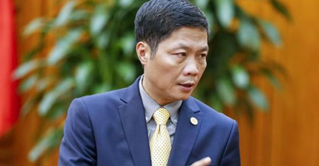 """Bộ trưởng xin lỗi vụ đón người nhà ở sân bay; Việt Nam lộ diện loạt """"đại gia ngầm"""" - Ảnh 1."""