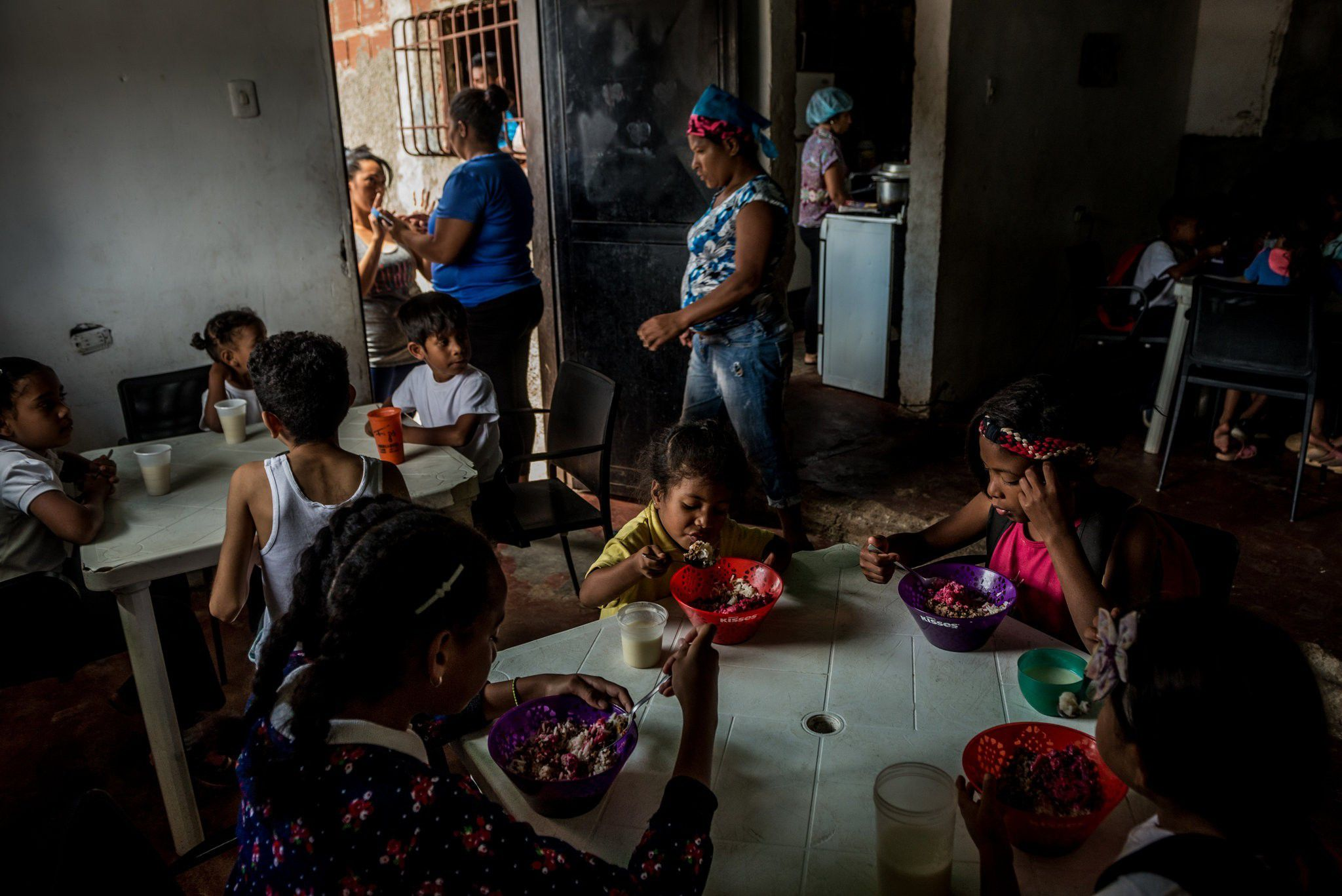 Cuộc sống khó khăn gấp bội của người Venezuela dưới lệnh trừng phạt của Mỹ
