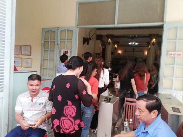 Để vào bên trong tham quan nhà Công tử Bạc Liêu, du khách mua vé từ 15.000 đồng - 30.000 đồng/người.
