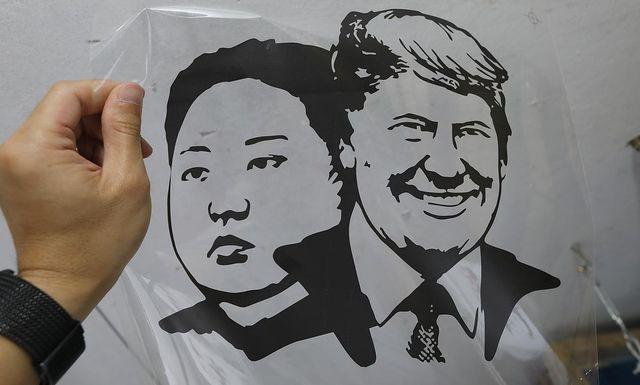 Một phút nghĩ ra ý tưởng, ngày bán 400 áo Tổng thống Trump và Chủ tịch Kim - 11