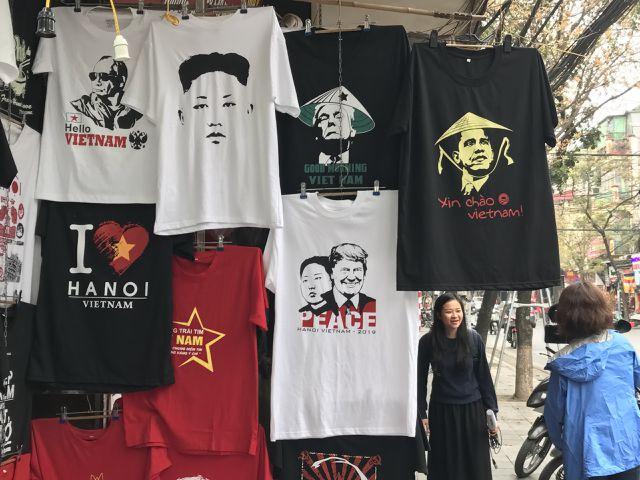 Một phút nghĩ ra ý tưởng, ngày bán 400 áo Tổng thống Trump và Chủ tịch Kim - 4
