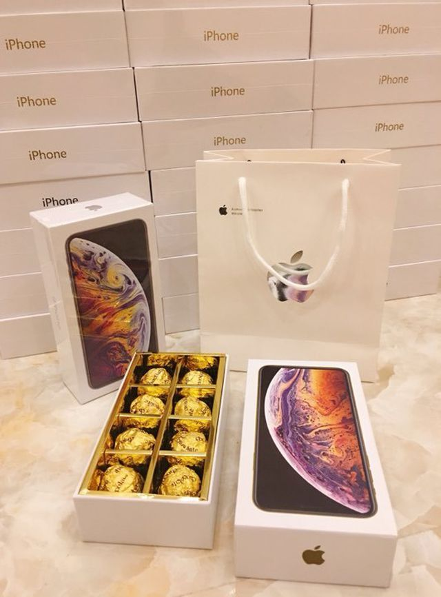 """Thanh niên chơi lớn, mua 99 hộp socola """"iPhone XS Max"""" tặng bạn gái ngày 8/3 - 2"""