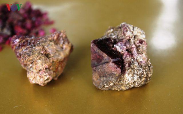 Độc đáo chợ đá quý đất ngọc Yên Bái - 9