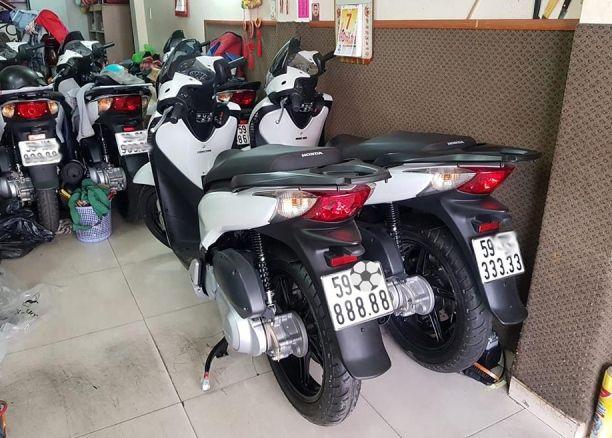 Chủ nhân tiết lộ lý do Honda SH bán giá 1,9 tỷ đồng