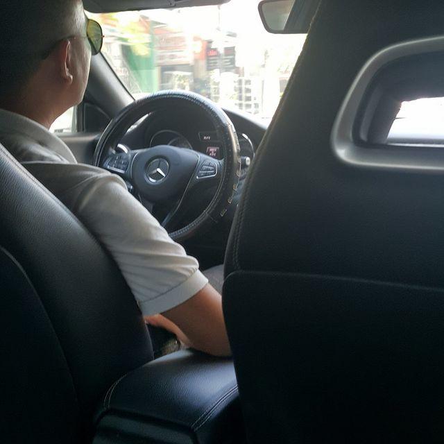 """Mercedes tiền tỷ chạy xe kết nối công nghệ, chị em """"mơ"""" gặp tài xế """"không nhìn cũng biết đẹp trai"""" - 3"""
