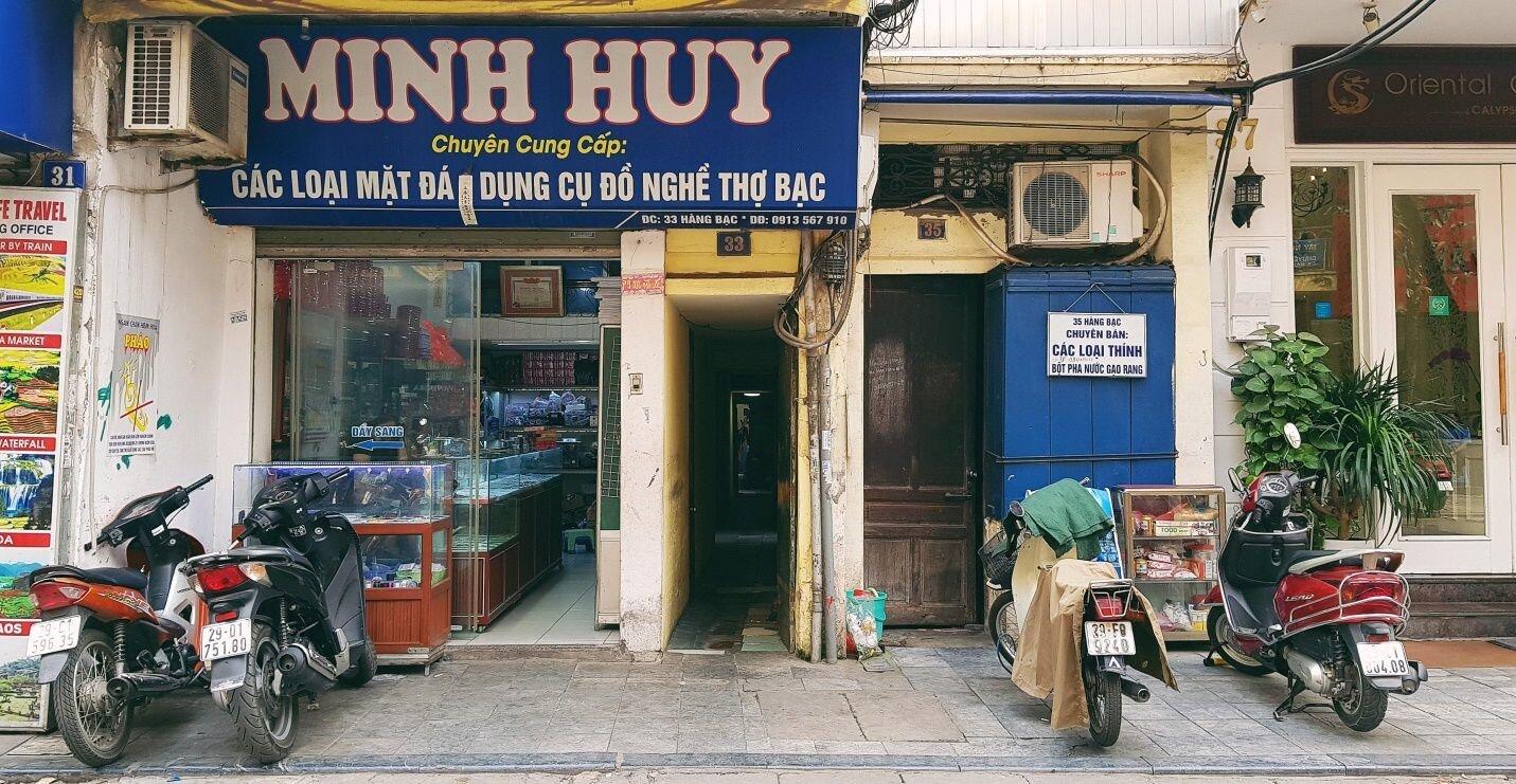 Cuộc sống bên trong những con ngõ chỉ vừa một người đi ở Hà Nội