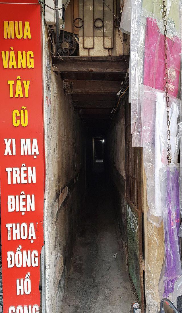 Cuộc sống bên trong những con ngõ chỉ vừa một người đi ở Hà Nội - 5
