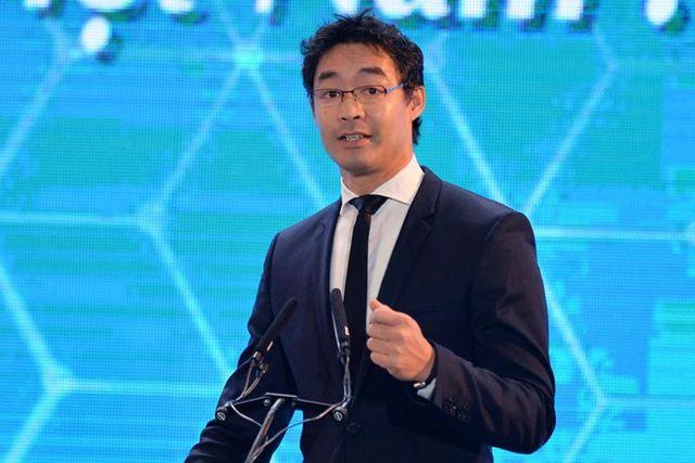 Nguyên Phó Thủ tướng Đức gốc Việt về nước làm kinh doanh - 1