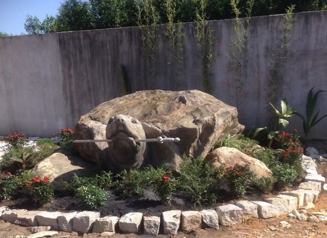 """Ảnh: Cận cảnh rùa đá """"Hồn thiêng đất Việt"""" nặng 20 tấn, 600 triệu không bán - 7"""