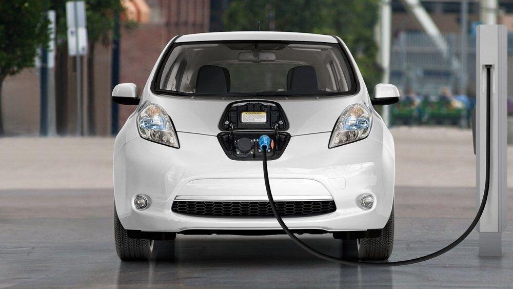 Đề xuất biệt đãi thuế nhập cho linh kiện sản xuất, lắp ráp xe ô tô điện nội địa
