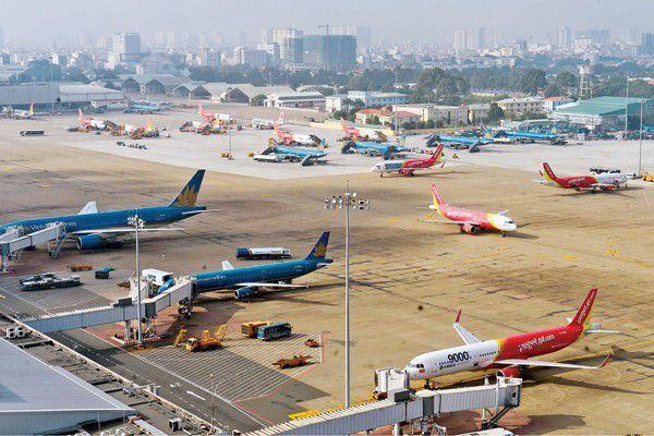 """Nguy cơ """"đóng băng"""" sân bay lớn nhất Việt Nam vì quá tải nghiêm trọng"""