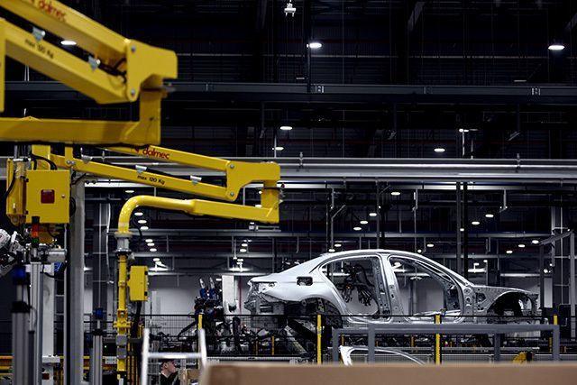 Ôtô nhập khẩu tăng tốc vào Việt Nam