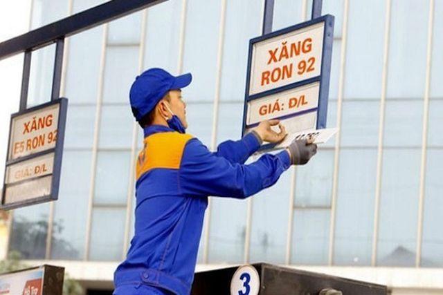 Tăng xả quỹ bình ổn, giá xăng dầu được giữ ổn định - 1