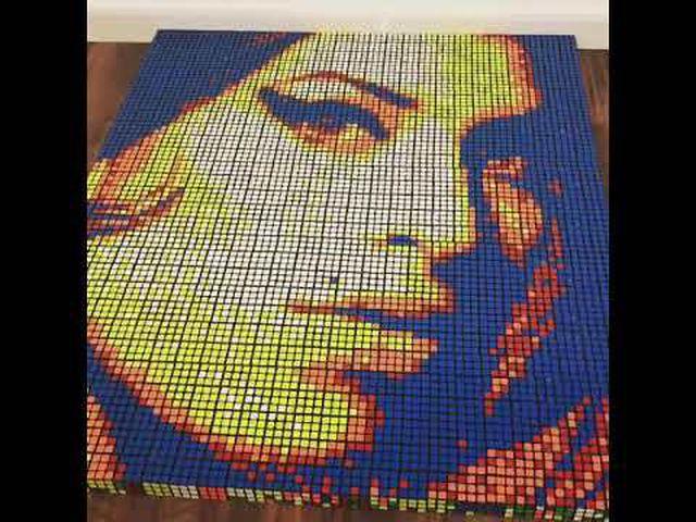 Chàng trai 24 tuổi kiếm hàng ngàn USD nhờ bán tranh từ… khối Rubik - 2