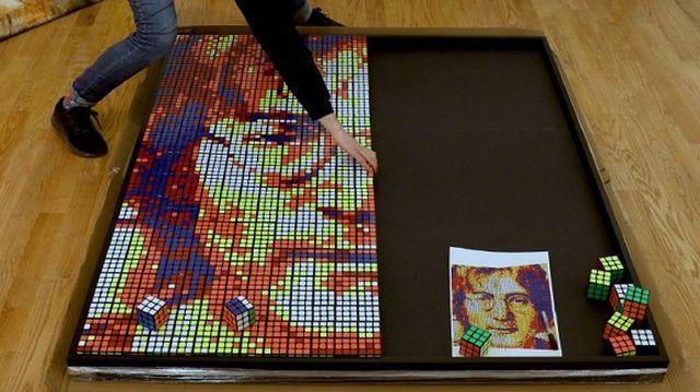 Chàng trai 24 tuổi kiếm hàng ngàn USD nhờ bán tranh từ… khối Rubik - 4