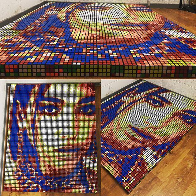 Chàng trai 24 tuổi kiếm hàng ngàn USD nhờ bán tranh từ… khối Rubik - 5
