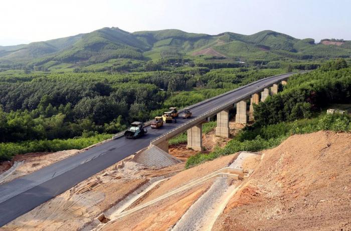 Trung Quốc rót gần nửa tổng vốn vào cao tốc Bắc - Nam