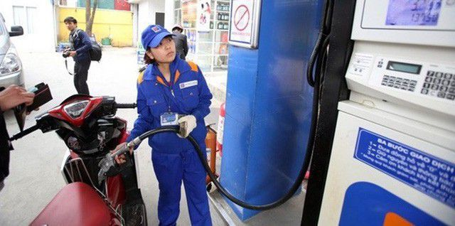 Thứ trưởng Bộ Công Thương: Giá xăng dầu tăng sốc là việc không ai mong muốn