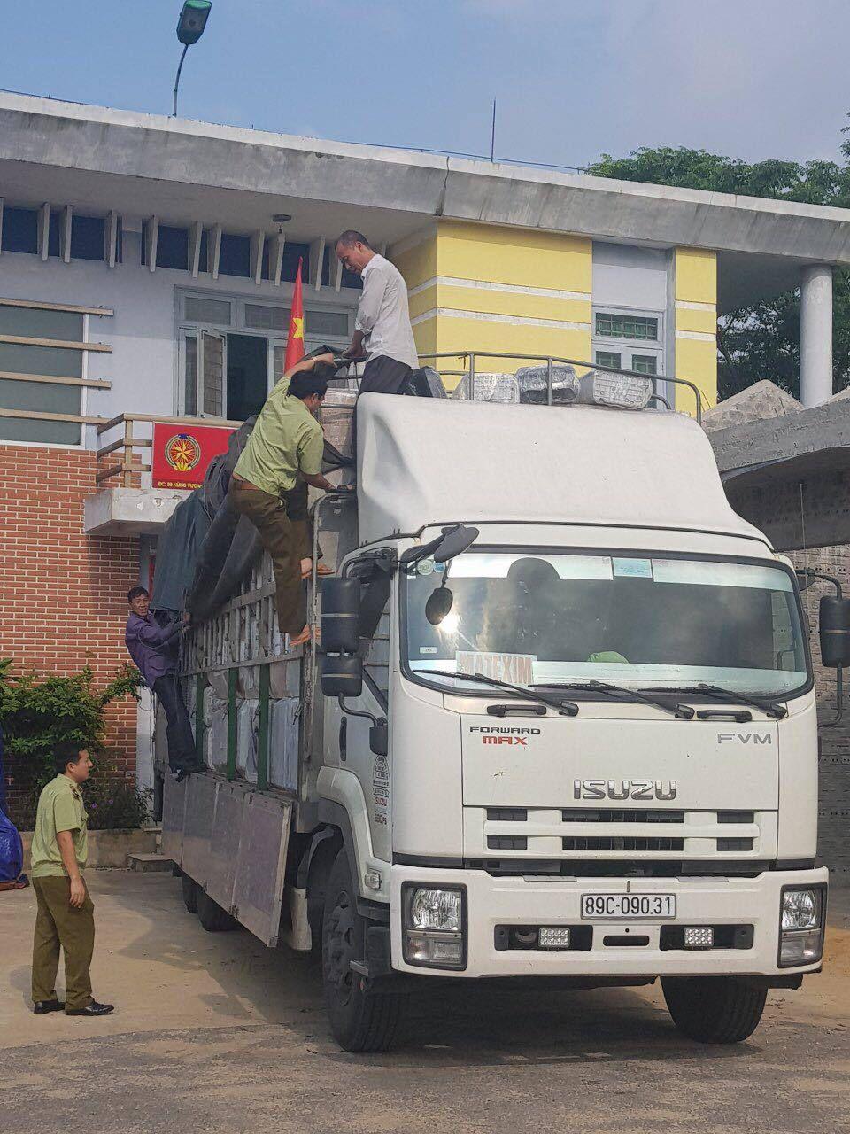 Quảng Bình: Thu giữ lô hàng lậu rất lớn đang trên đường đi tiêu thụ