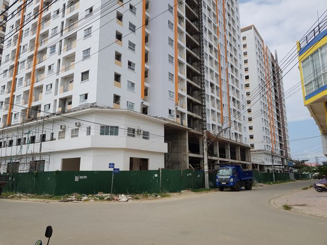 Dự án nhà ở xã hội Hoàng Quân Nha Trang: Cư dân căng băng rôn, nhà vẫn chưa thấy đâu - 2